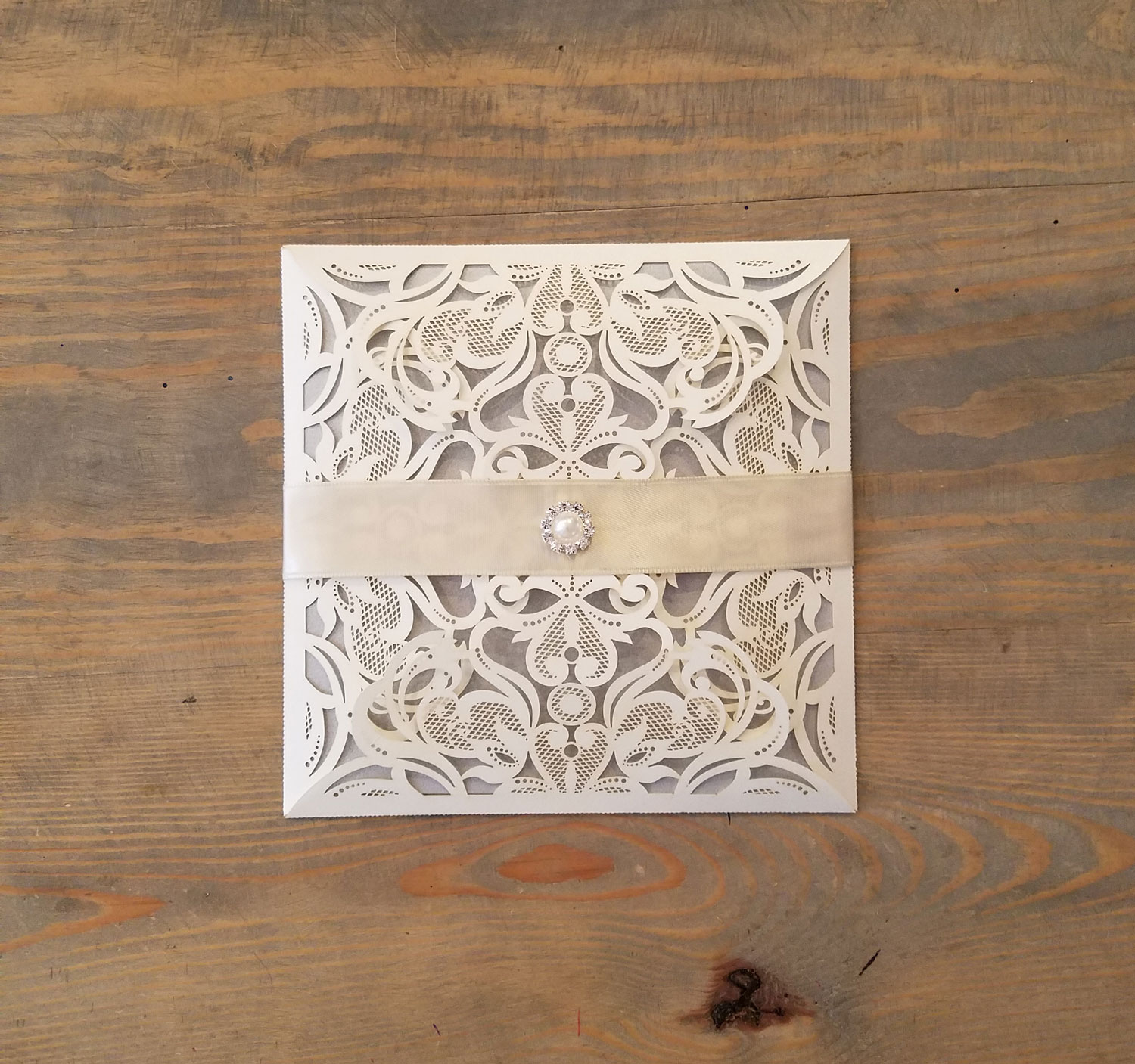 champagne-silver-laser-cut-pearl-wedding-invitation-5
