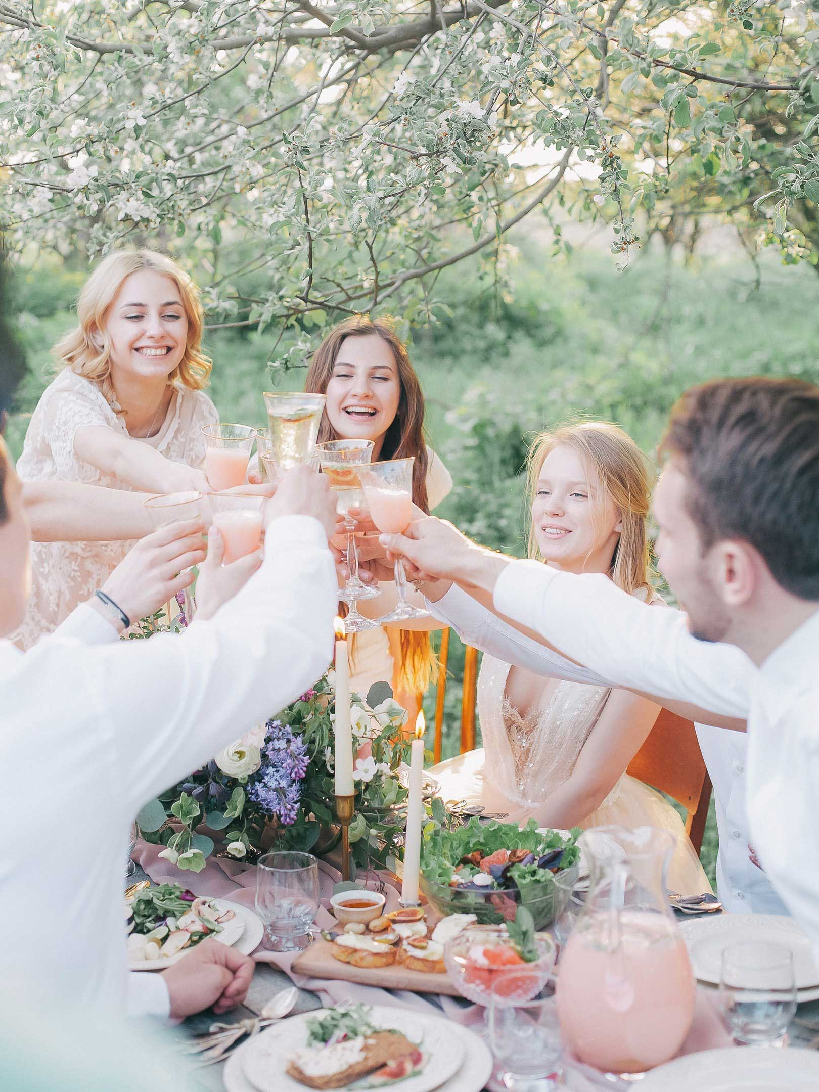 who you should definitely invite to your rehearsal dinner
