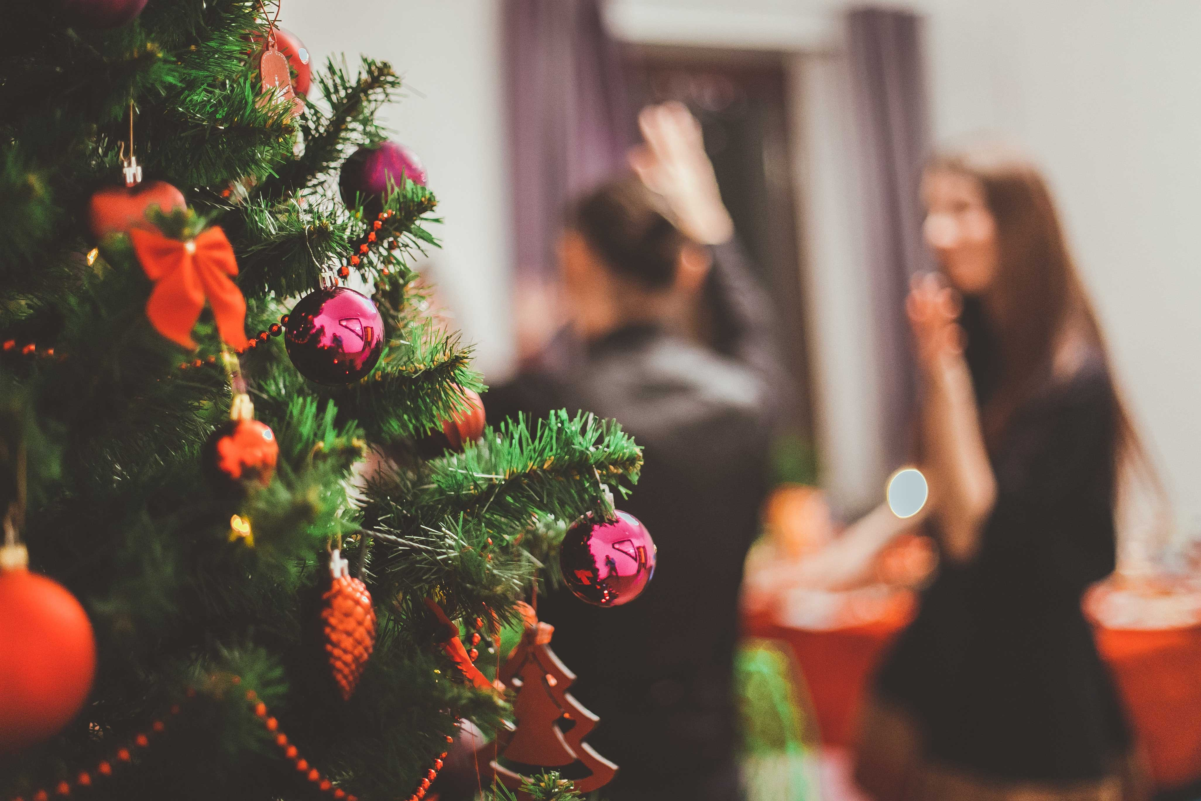 tips-for-planning-your-wedding-during-the-holidays-5