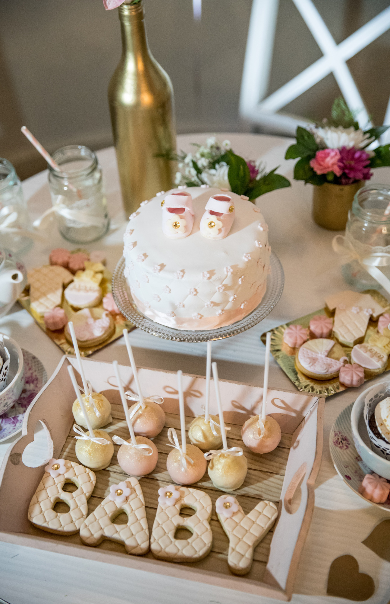 how to choose a baby shower theme